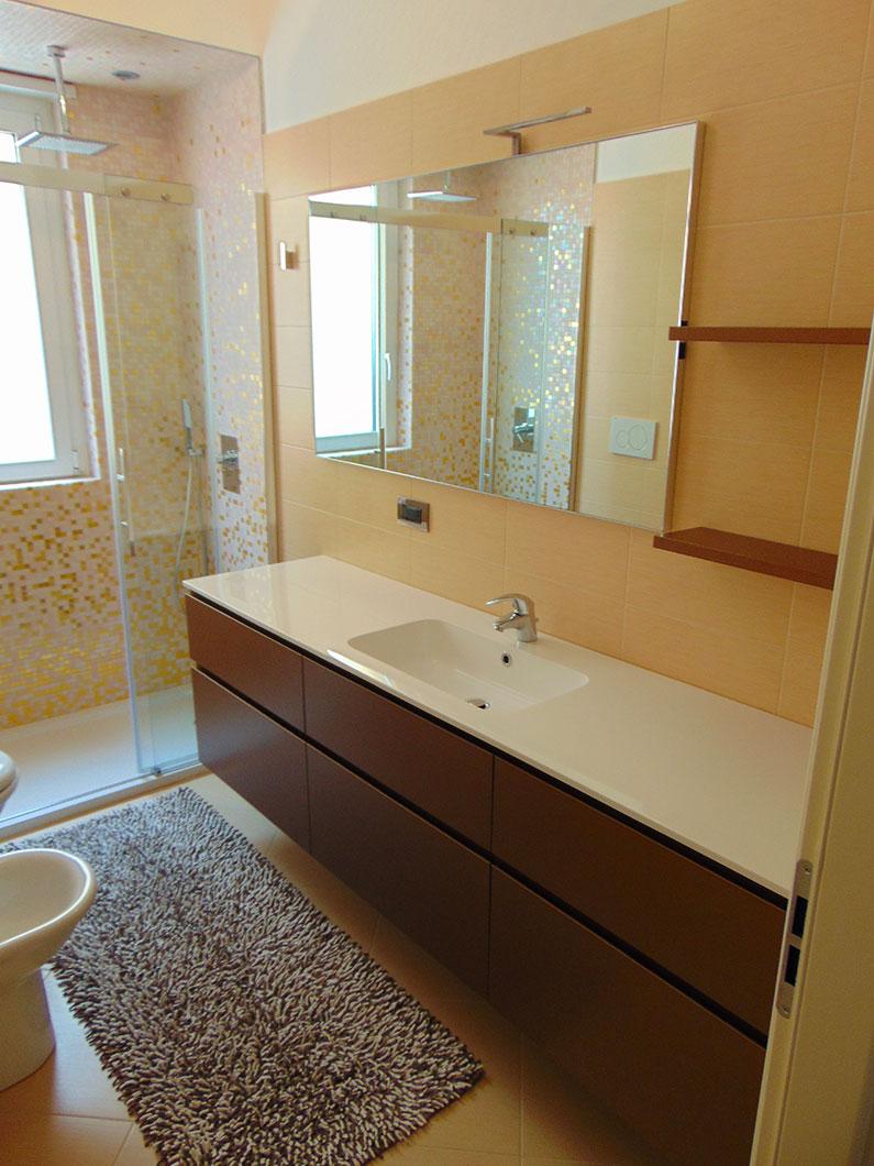 bagno padronale doccia con doppio soffione geometra